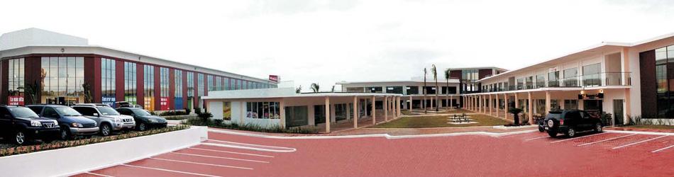 Plaza Tres Center